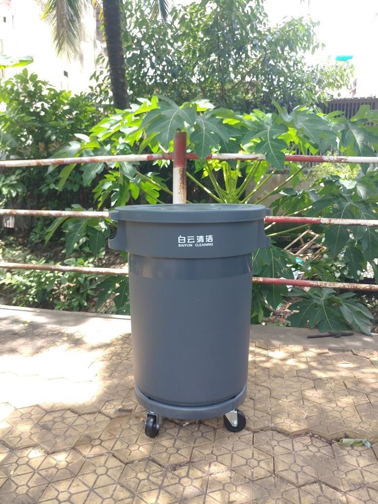 thùng rác 80l 1